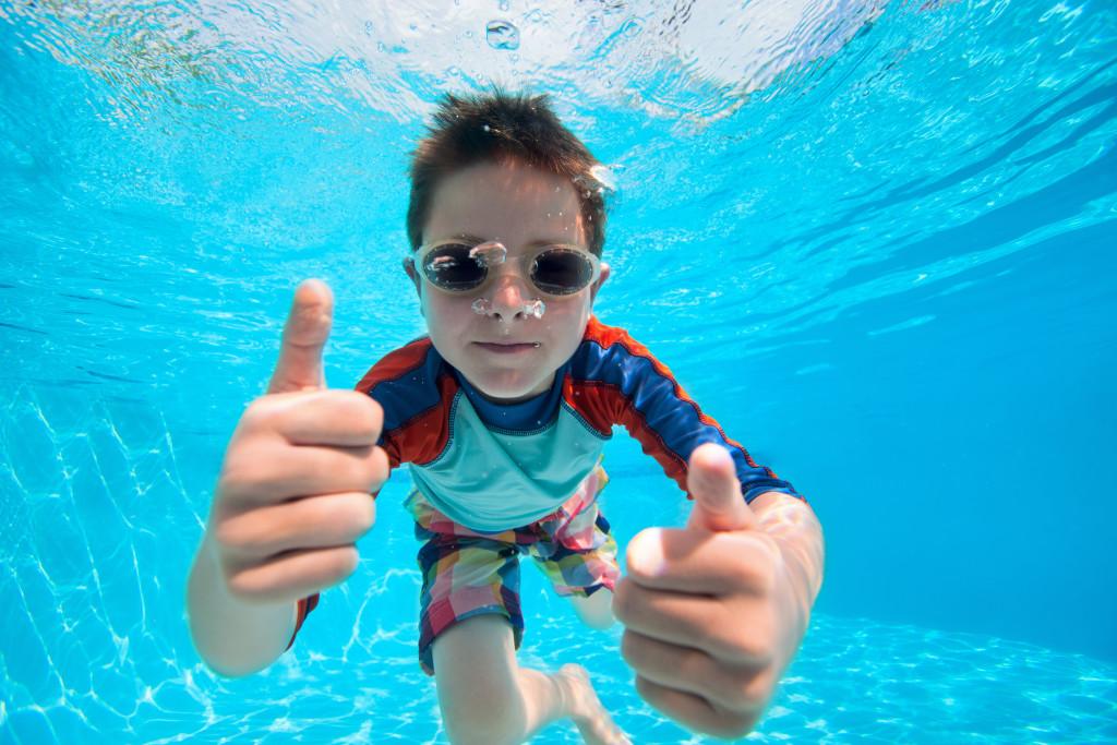 Cabana - thumbs up